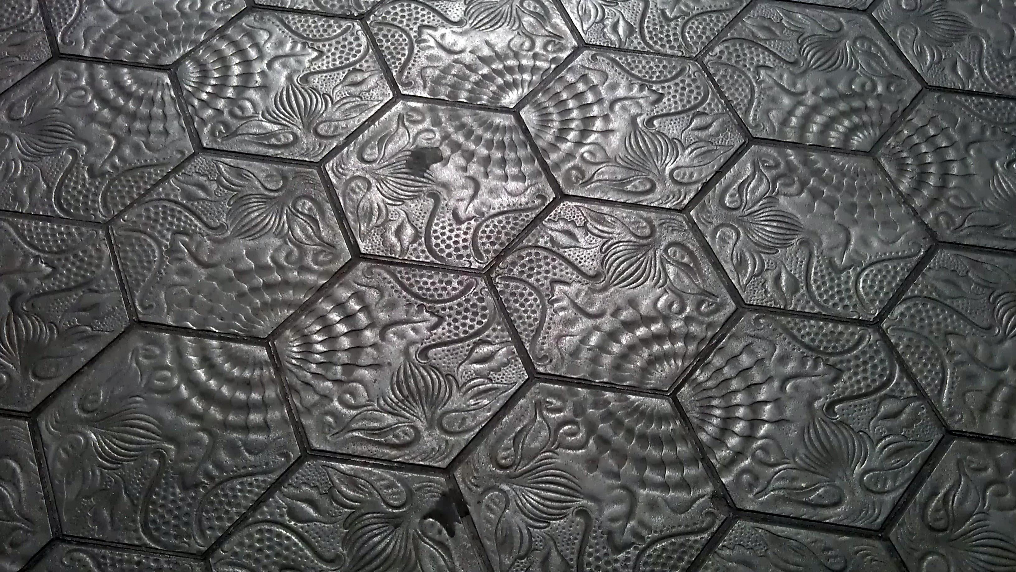03-Panot-Gaudi-escofet-ceramica a mano alzada