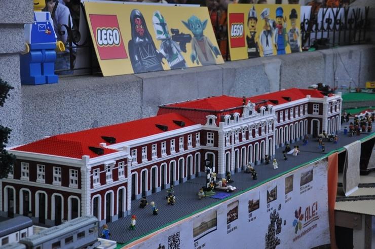 lego architecture madrid estacion del norte