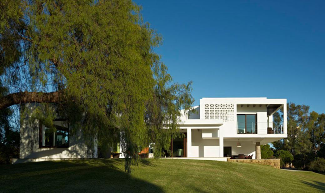 Alejandro-Gimenez-Architects-Las-Chapas-02