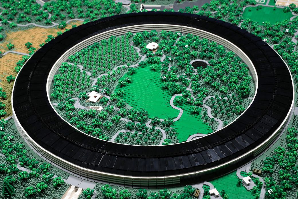 Un Apple Park de Lego construido con 85.000 piezas