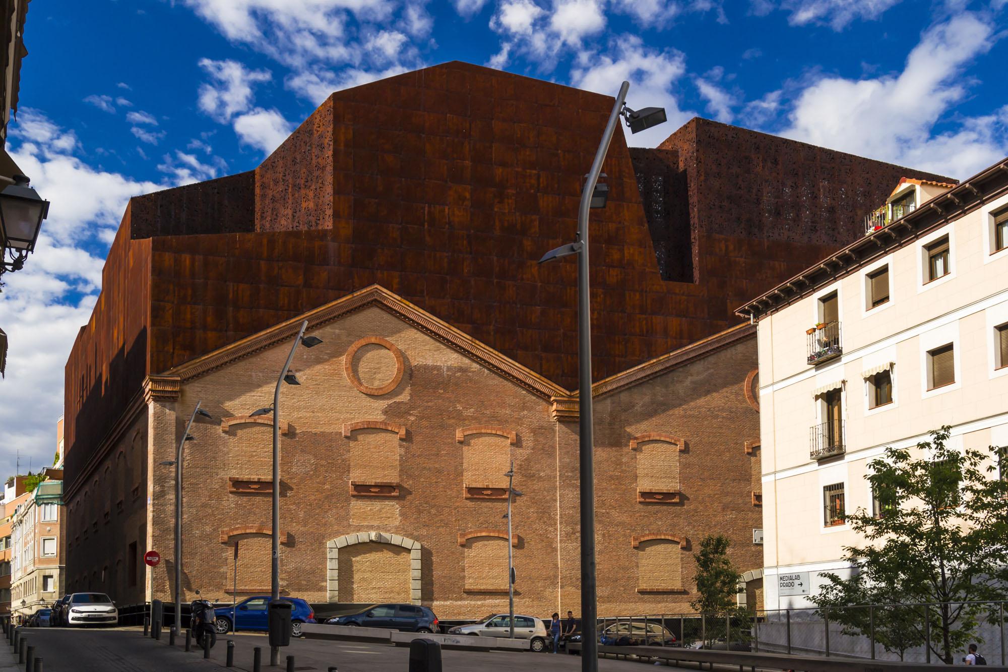 Caixaforum madrid herzon de meuron jard n vertical - Trabajo arquitecto madrid ...
