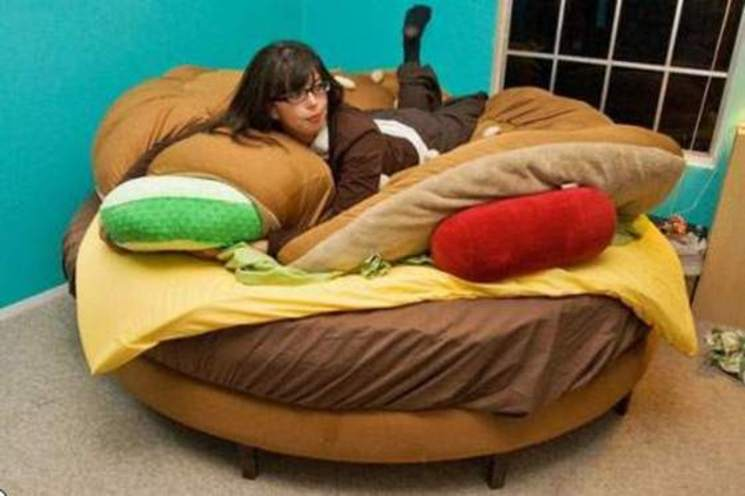 Decora tu dormitorio con la cama hamburguesa for Cama kawaii