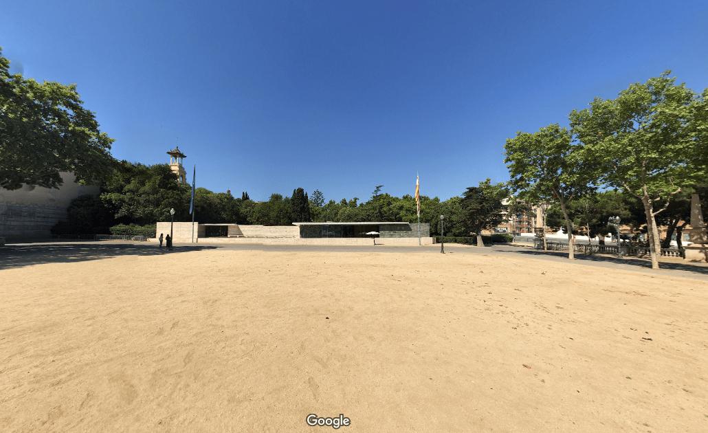 Vista de la obra desde la explanada en google streetview