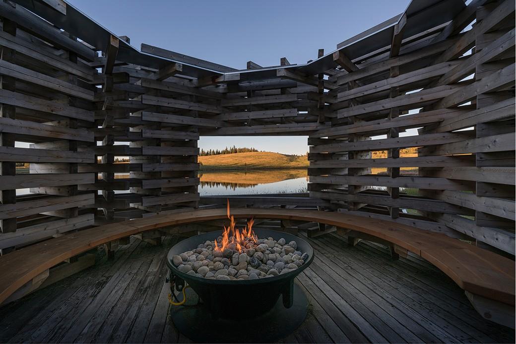 Carraig Ridge Fireplace Young