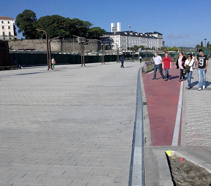 Interrupción de un carril bici en Coruña