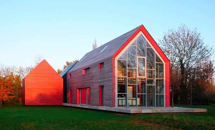Sliding house: Casa deslizante en Suffolk por dRMM