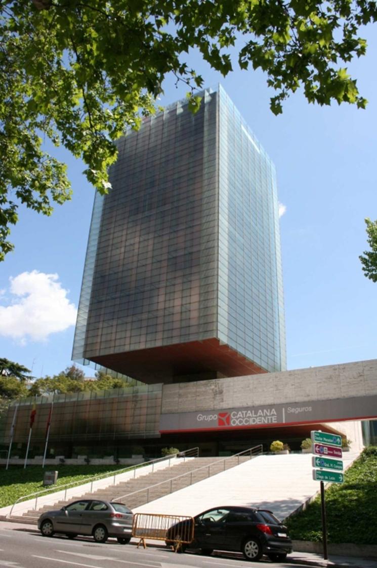 Edificio Castelar de Rafael de la Hoz + Gerardo Olivares