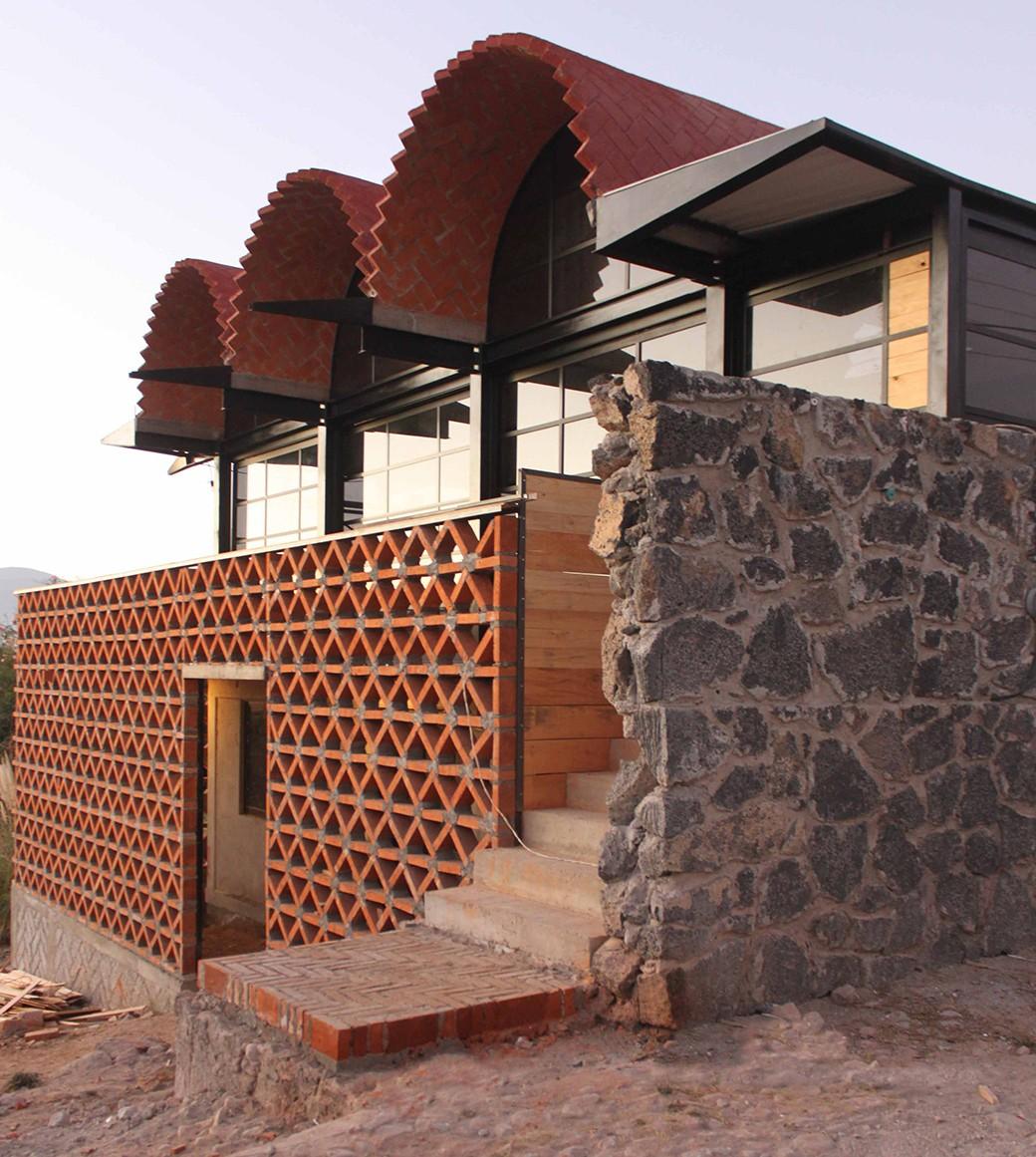 Centro Multimedia Hnahnu Aldana Sanchez Ingenieros Arquitectos