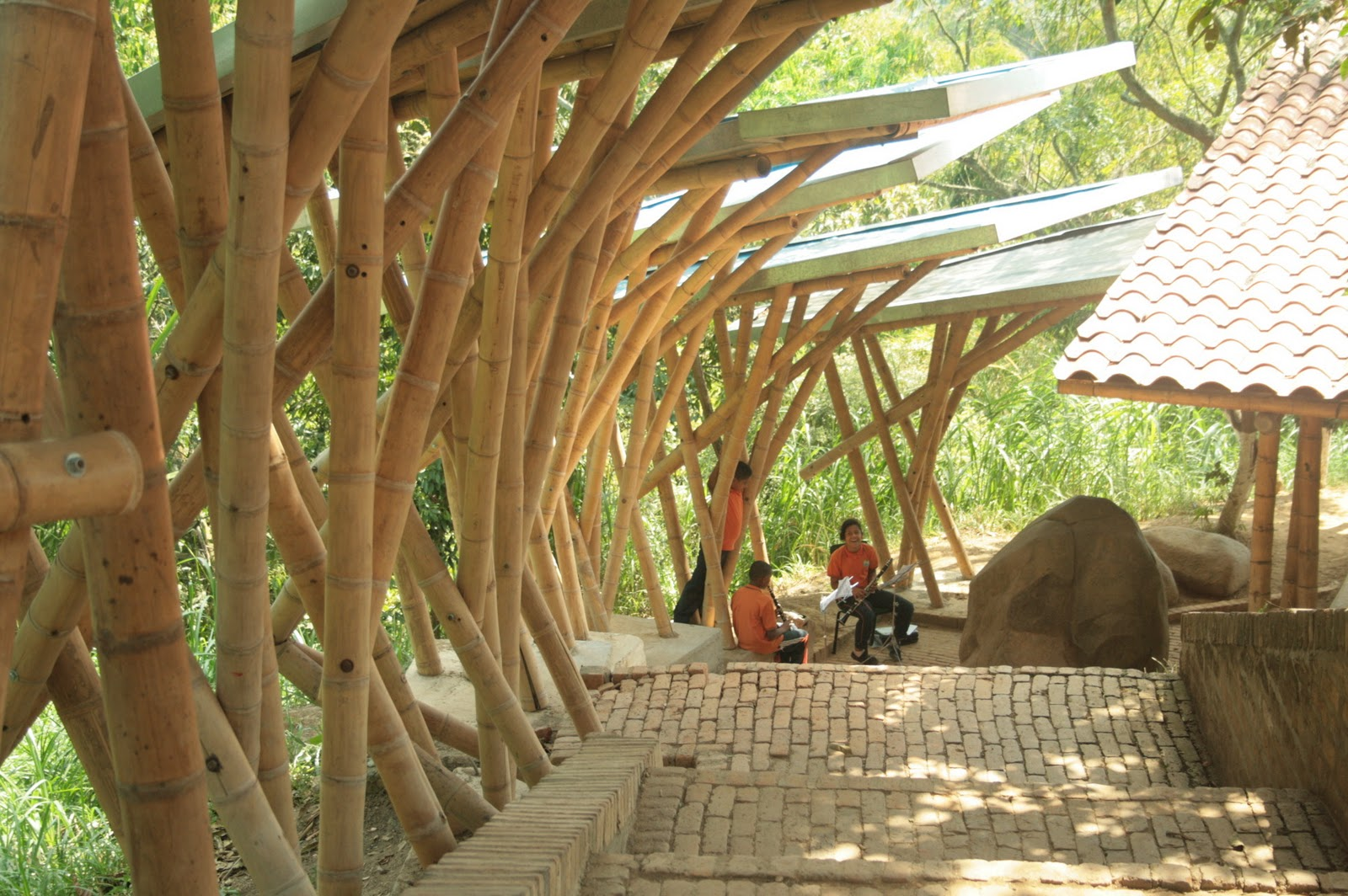 Colegiodelasaguas_1 colegio bambú