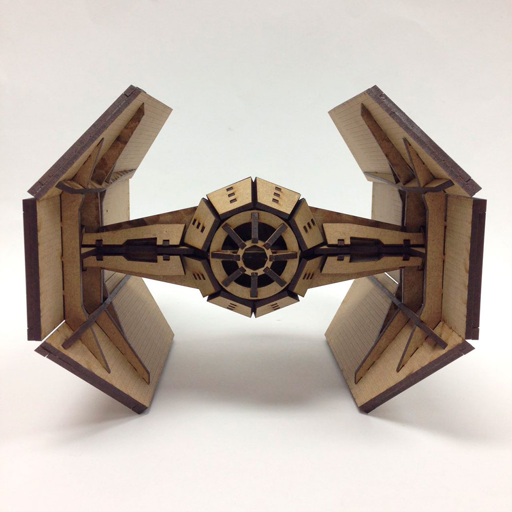 Cortebox Darth Vader Tie Fighter
