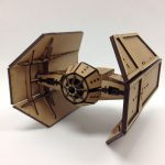 Tie Fighter creado con corte láser por Cortebox