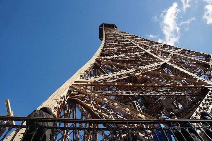 La Torre Eiffel cada vez más verde