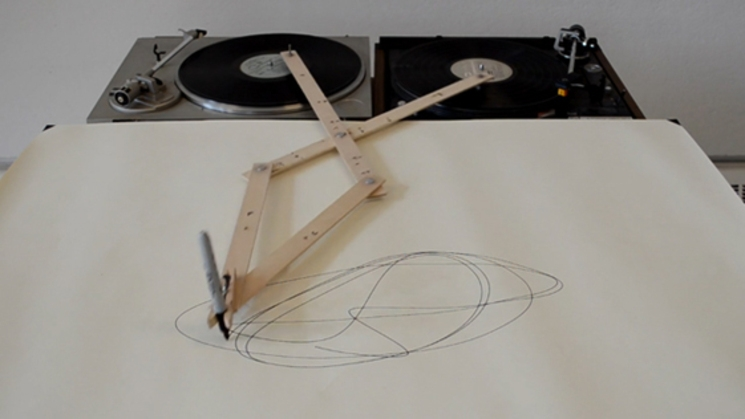 drawing apparatus