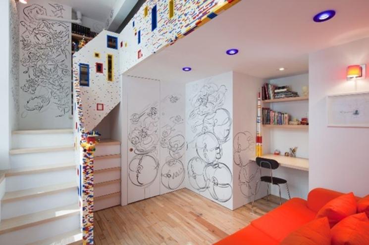 Escalera de 20.000 piezas de LEGO® en un apartamento de Nueva York