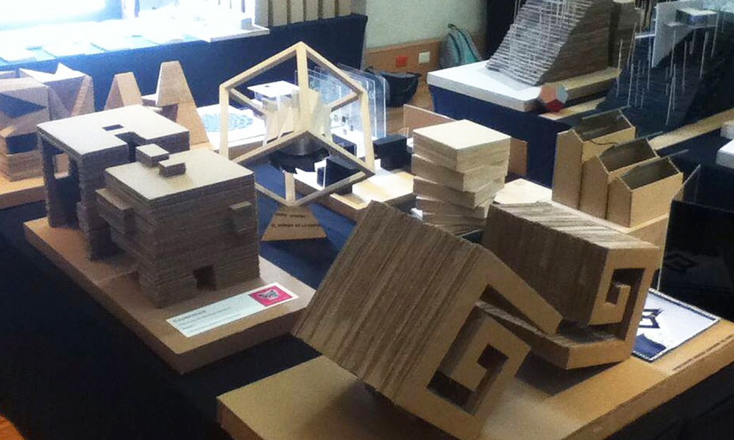 Estrategias-estudiante-arquitectura-6-Aprende-a-trabajar-las-criticas-y-respeta-tu-criterio
