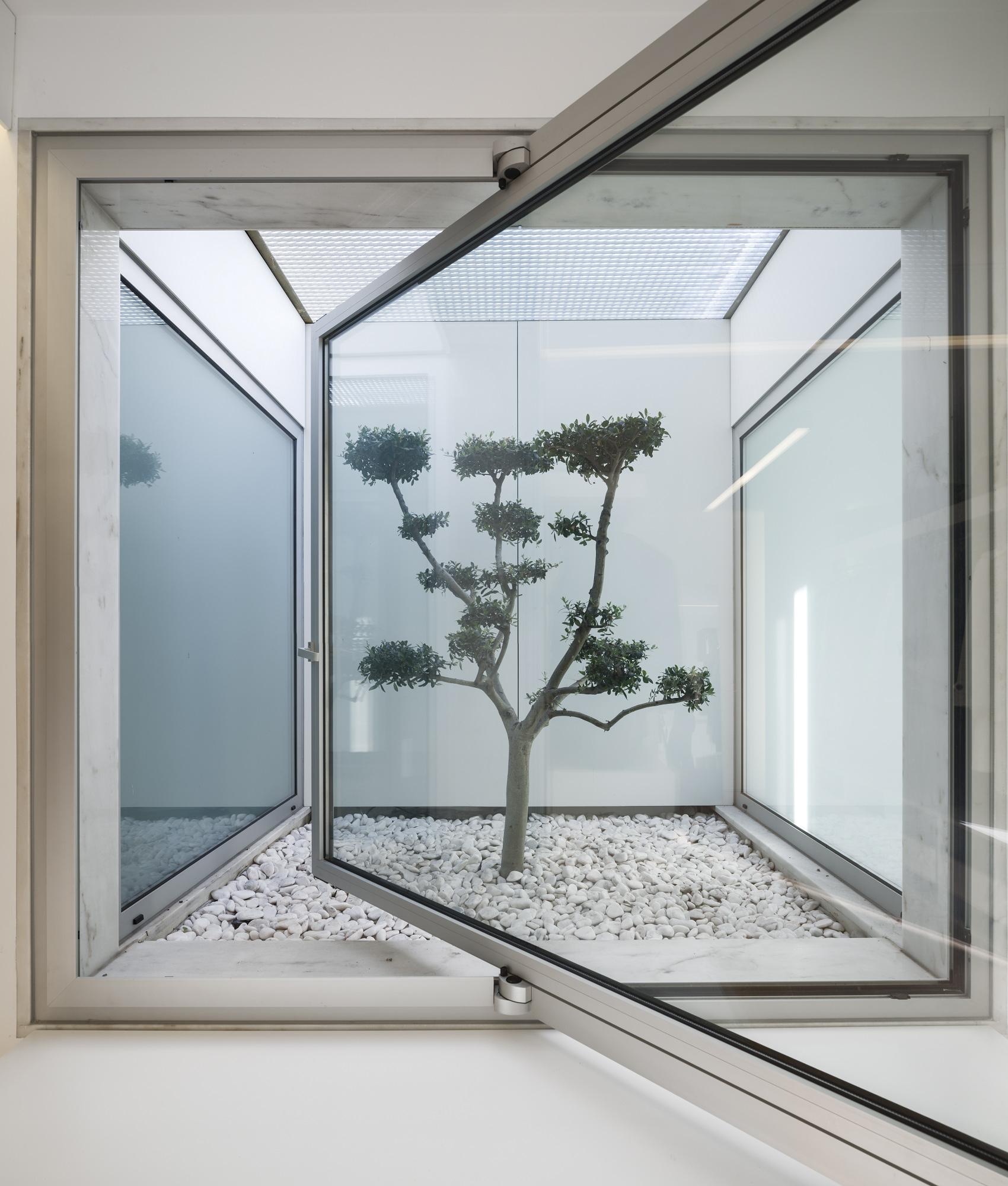 Vivienda unifamiliar en parede humberto conde arquitectos - Plantas para patio interior ...