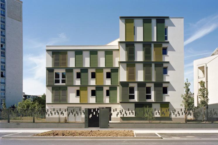 48 viviendas ecológicas – ILOT E2 – Zac de la Dhyus por Atelier Tarabusi