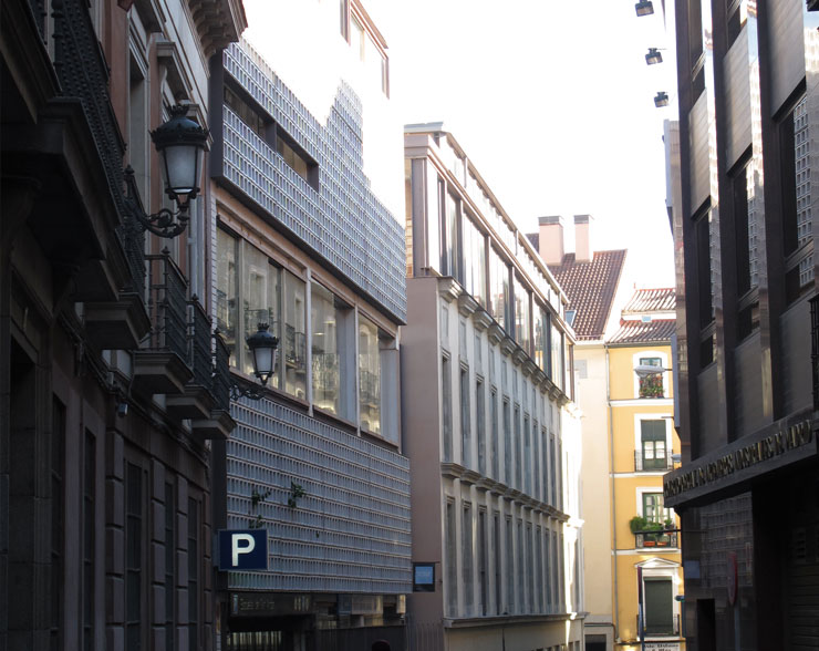LASEDE_celosia-ceramica-skyline-cosas-de arquitectos-ceramica-a-mano-alzada