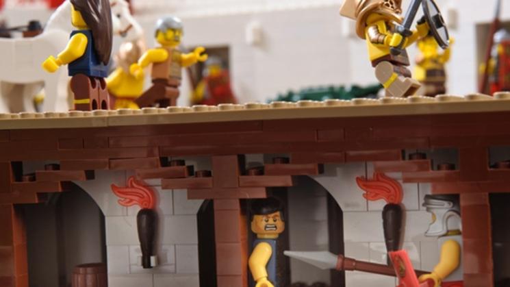Coliseo Romano realizado con 200.000 piezas de LEGO