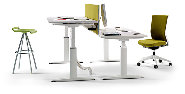 Actiu presenta mobility una mesa para arquitectos for Empleo mobiliario oficina