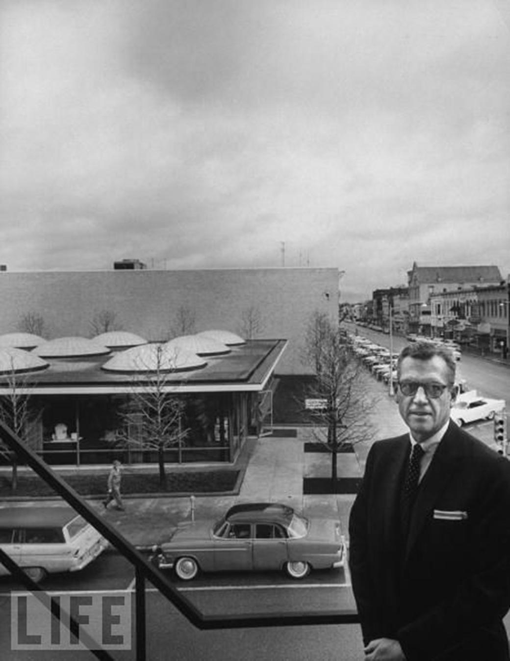 Mies-Saarinen-12-Irwin-Miller-1961