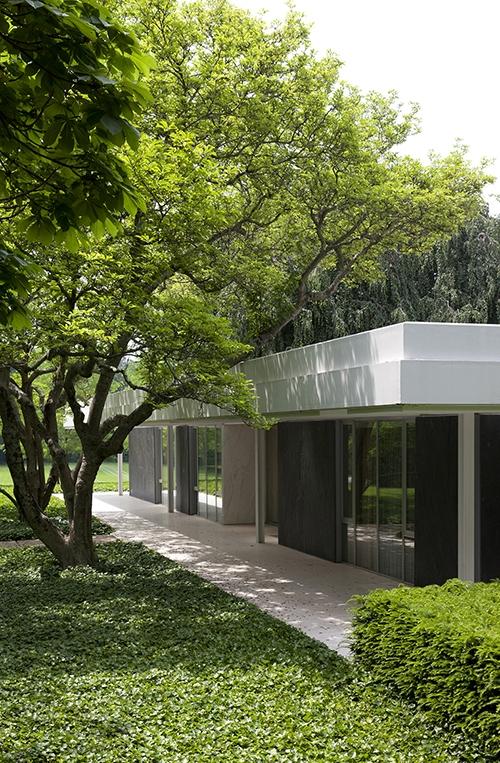 Mies-Saarinen-20-Vista-casa-en-conexion-con-jardin-Miller
