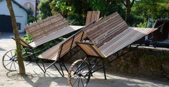 Mobiliario rodante en un paseo fluvial de Nantes