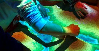 Sandbox de curvas de nivel: mapa topográfico interactivo para aprender jugando