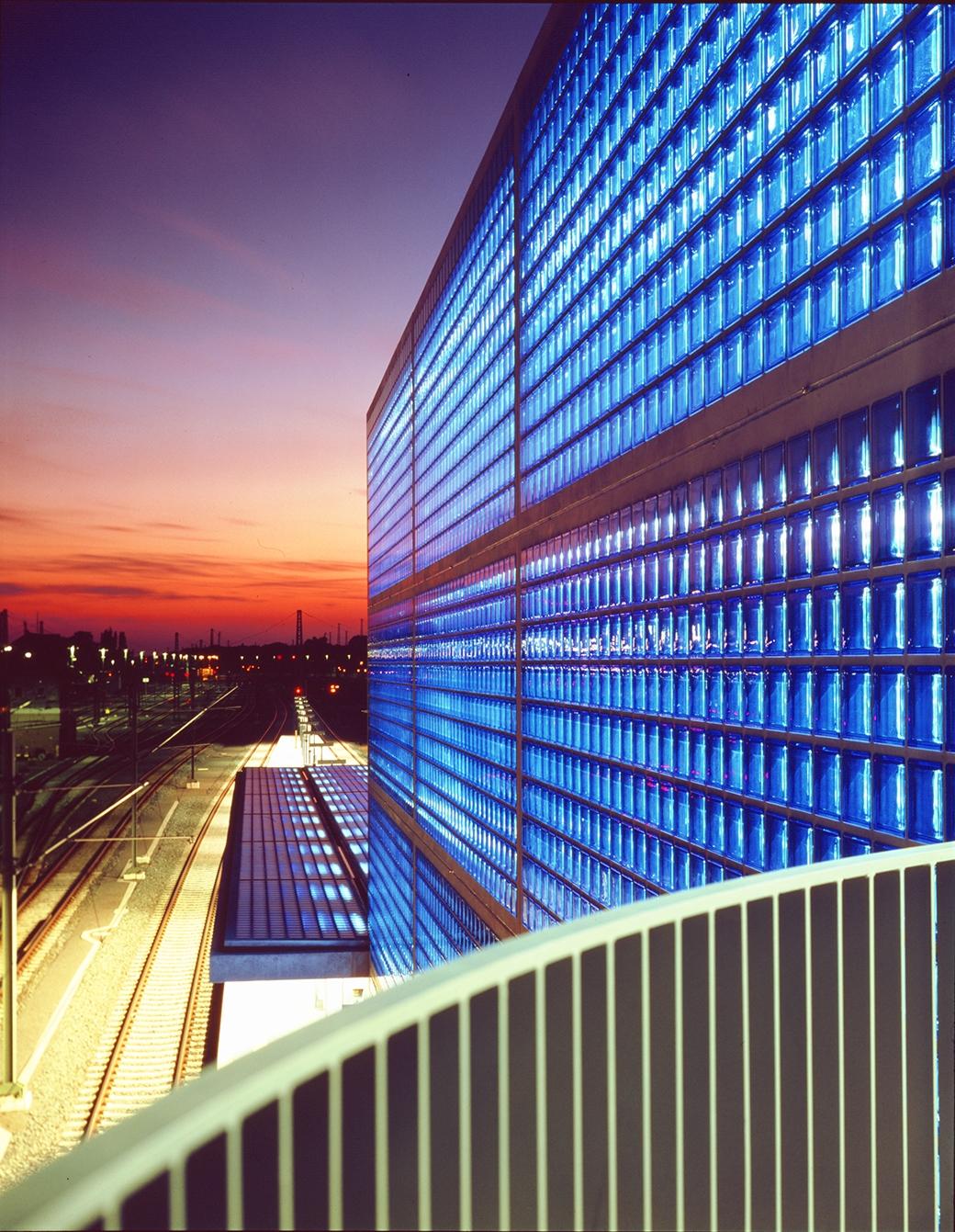 Seves-sevesglassblock-soluciones-smart-hannover-station