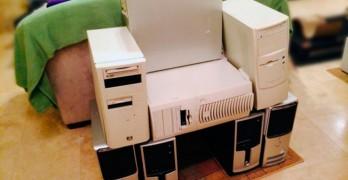 Sillón Geek creado con varias torres de PC