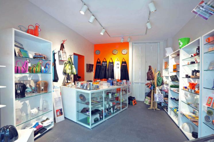 Remodelación de la tienda y recepción del Museo Modo – DIN interiorismo