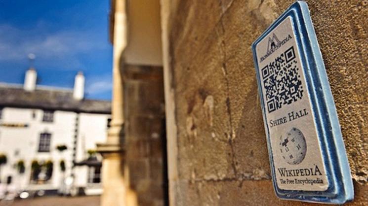 Ciudad wikipedificada usando códigos QR en las calles