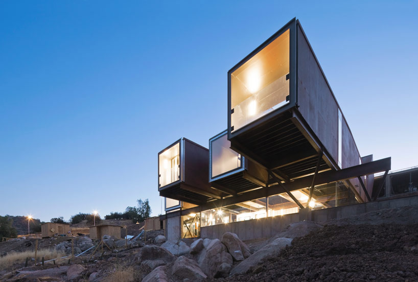 casa oruga contenedor sostenible irarrazabal Carterpillar House