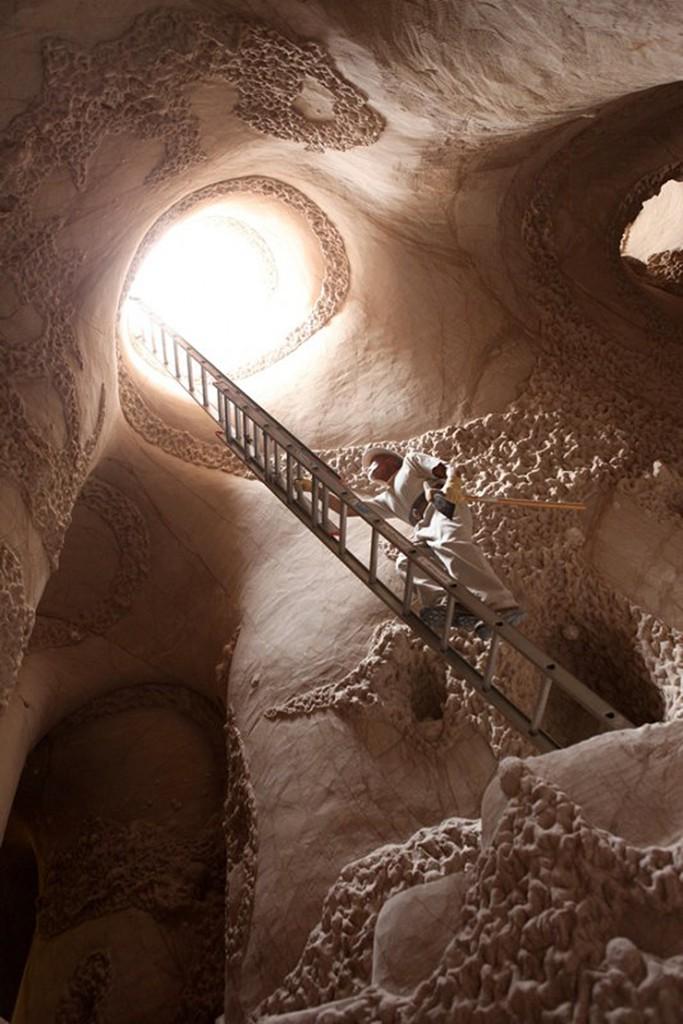 catedral-esculpida-en-la-roca-00
