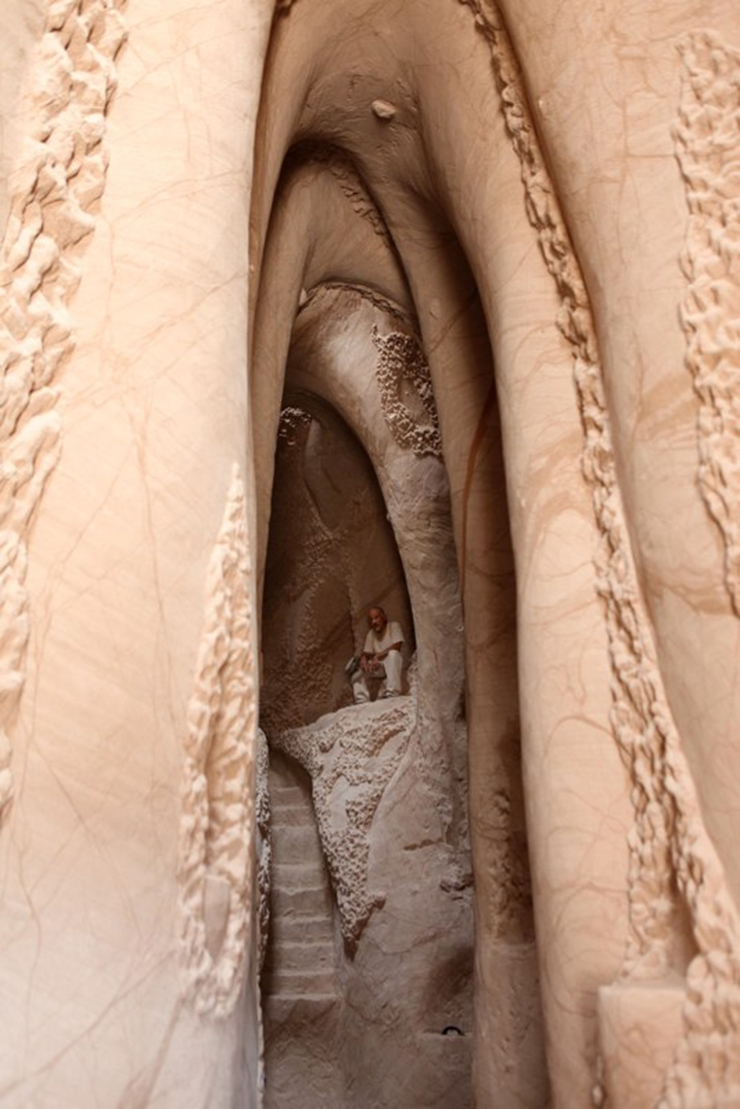 catedral-esculpida-en-la-roca-06