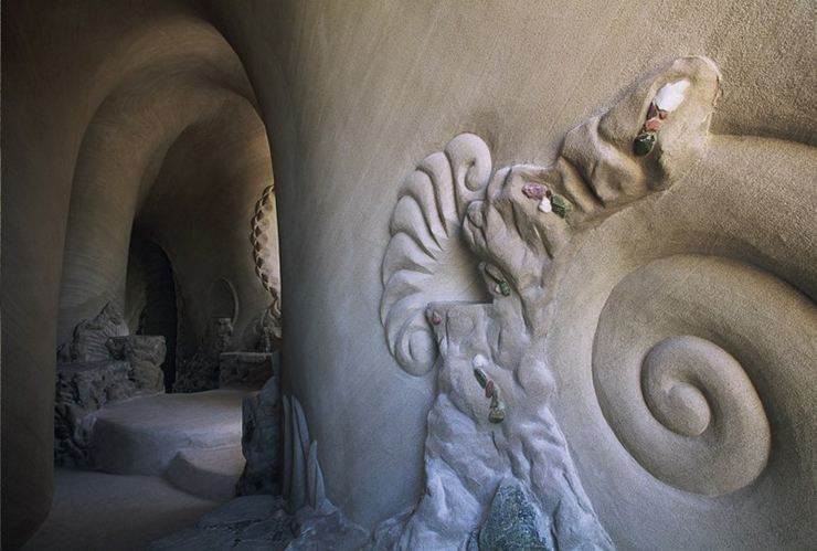 catedral-esculpida-en-la-roca-09