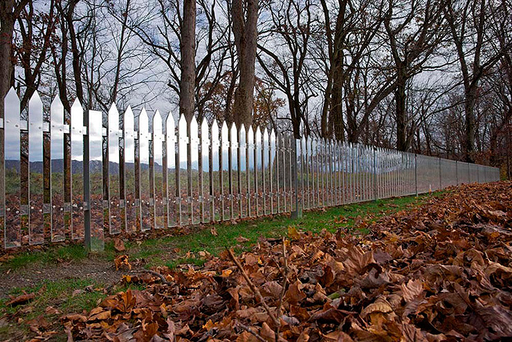 land-art-mirror-fence-shotz-04