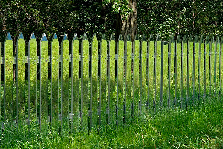 land-art-mirror-fence-shotz-05