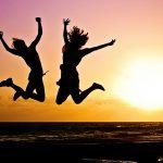 Cómo mejorar la vida de otras personas te puede llevar a crear tu estilo de vida ideal