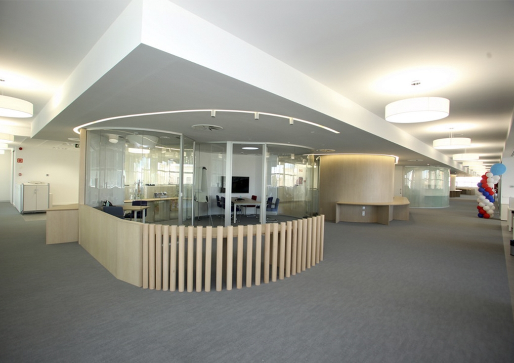 Oficinas hartmann espa a arquid arquitectos - Oficinas de adecco en madrid ...